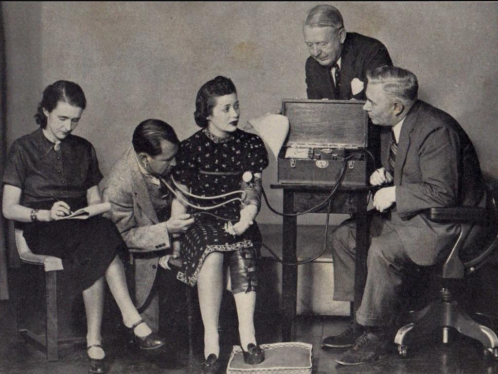 Уильям Марстон (1893-1947) полиграф и чудо-женщина