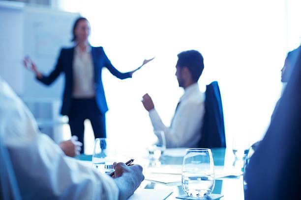 общение в офисе